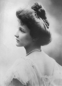 Nancy_Astor